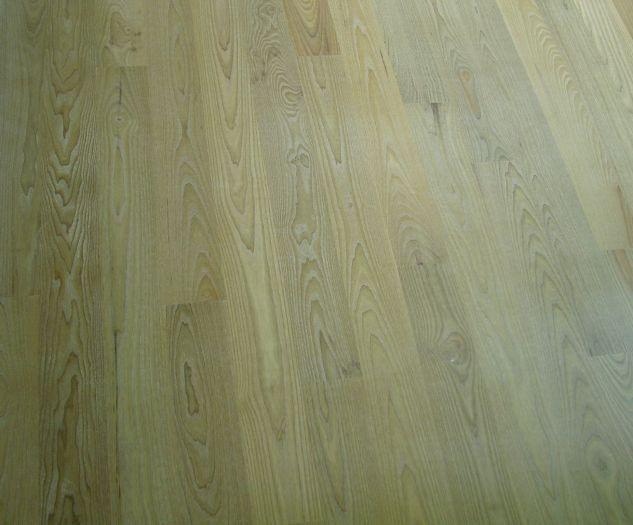 Jesion wędzony bielony, deska podłogowa
